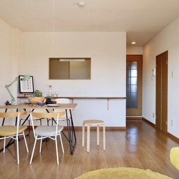 【LDK】しっかりとした奥行きがあり、家具配置の自由度も高いですね。