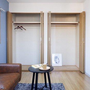 【洋室北】クローゼットはワイドでハンガーを使った収納に適していますね。