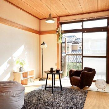 【和室】同じく日の当たる、居心地の良い空間。