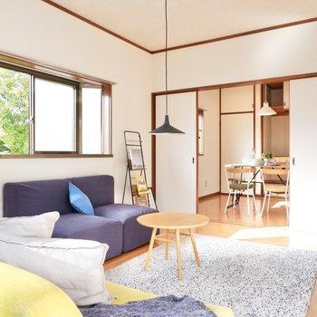 【洋室6帖】北欧系の丸みある家具を置くと、柔らかな雰囲気を生み出すことができますよ。