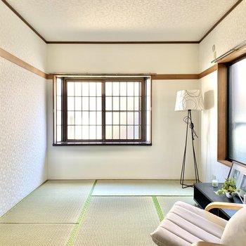 【和室】二面採光で明るい空間。※写真の家具・雑貨はサンプルのものです