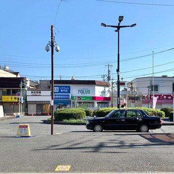 駅周辺はのどかな雰囲気。お馴染みのケーキ屋さんや個人経営のお店がいくつかありました。