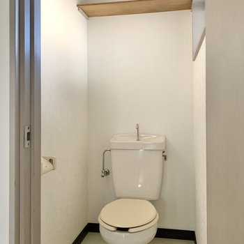 トイレは落ち着く個室ですよ。