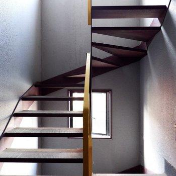 螺旋階段が素敵です。