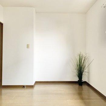 【洋室】ナチュラルデザインの家具で揃えたいですね。※家具はサンプルになります
