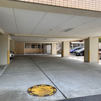 駐車場付きです。お出かけの範囲が広がりますね。(空き要確認)
