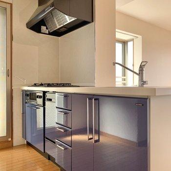 【LDK】ブルーが素敵なキッチン。