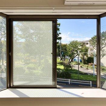 【LDK】出窓には何を飾ろうか。