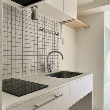 オリジナルの可愛らしいキッチン。