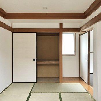和室も素敵に。畳の香りに癒されます。