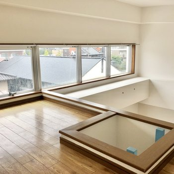 こちらは開放的なロフト付きのお部屋です。