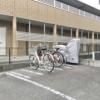駐輪場が敷地内に。