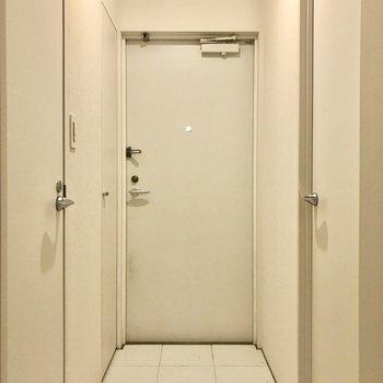 水回りと玄関はタイル張りです。※写真はクリーニング前のものです