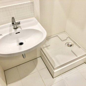 洗濯物をぽいしてお風呂に入れます。※写真はクリーニング前のものです