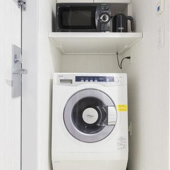 便利な洗濯乾燥機もありますよ。