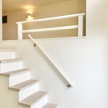 ロフトへは階段なので安心。
