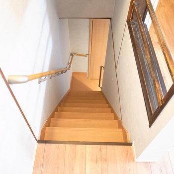 ではでは、階段を下って1階へ!