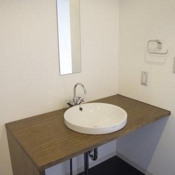 シンプルだけどかわいい洗面台