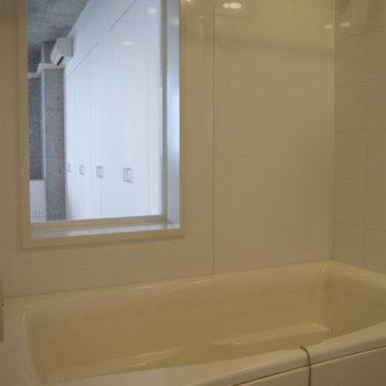 窓付きのお風呂だ!!
