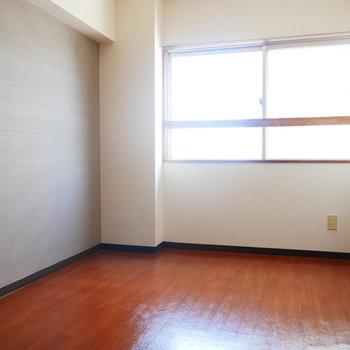 洋室は寝室にしようかな(※写真は7階の同間取り別部屋のものです)