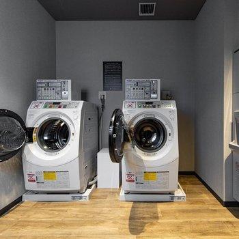 【共用部】20階と24階で衣類などの洗濯ができます。