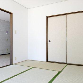 普段はリビングとの扉を開けて繋げておけば、安心して家事ができますね。