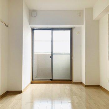 壁のアクセントがお部屋を彩ってくれます。