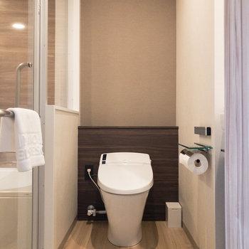 脱衣所です。トイレと洗面台も同室に。