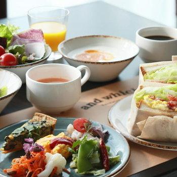 【共用部】朝食とランチではサンドウィッチを堪能できます。