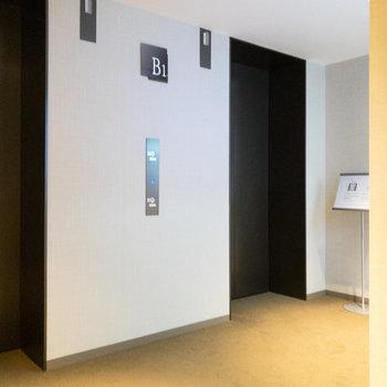 【共用部】1階のロビーに向かいます。