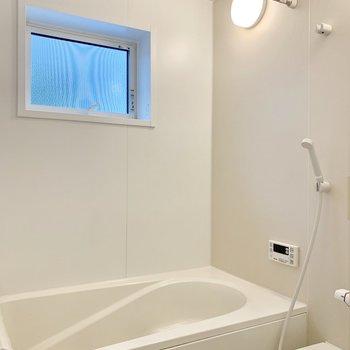 お風呂は追い焚き・浴室乾燥機付き!