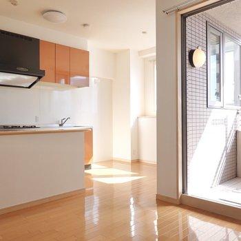 お部屋が広いと、生活の幅が広がる。(※写真は9階の同間取り別部屋のものです)