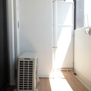 程よく日差しが差し込みます。(※写真は4階の同間取り別部屋のものです)