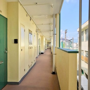 共用廊下からはドームが見えるんです……!
