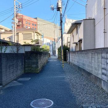 お部屋近くは住宅街です。