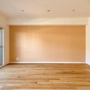 【LDK】淡い温かみのあるカラーがお部屋をより明るく見せてくれます。