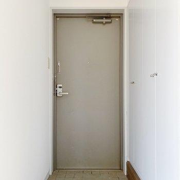玄関は2〜3足ならだしておけそう。
