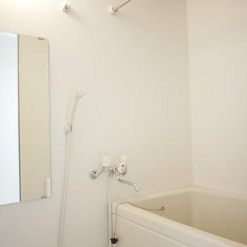 浴室もきれい〜!(※写真は3階の反転間取り別部屋のものです)