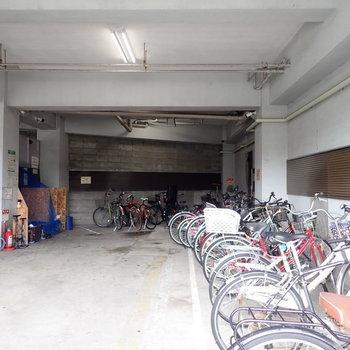 共用部】駐輪場もあります。