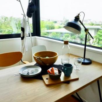 コーヒーを入れたら外を眺めてひと息。