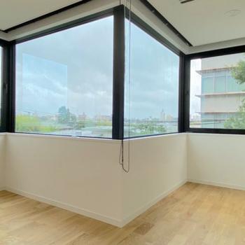 【LDK】大きな窓が魅力!