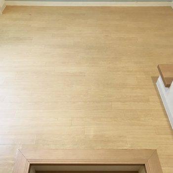 広さは6帖。ただ階段があるので家具はあまり置けない広さかな?