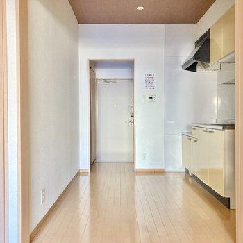 キッチン部分は4帖の広さ。