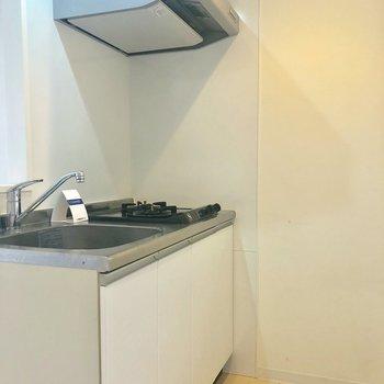 対面式キッチンの中はこちら!※写真は4階の同間取り別部屋のものです