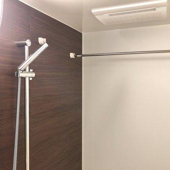 雨の日に嬉しい浴室乾燥機もあります!