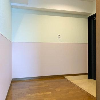 玄関周りは広めの空間。