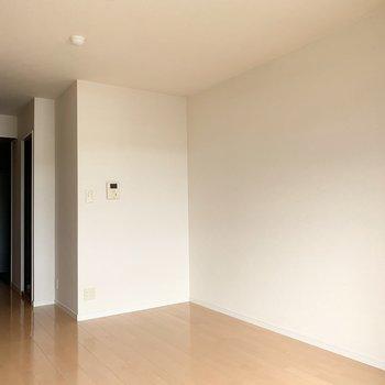 ベッド置くならここのスペース!(※写真は3階の同間取り別部屋のものです)