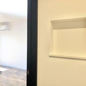 お部屋に入る直前のこの凹み、鍵置き場にちょうど良いんです◯