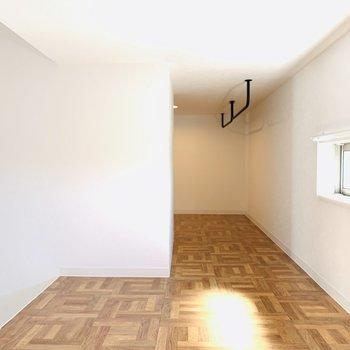木目の床が可愛らしいロフトスペース。