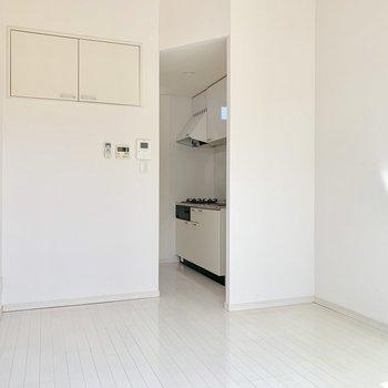キッチンは奥まったスペースにあります。
